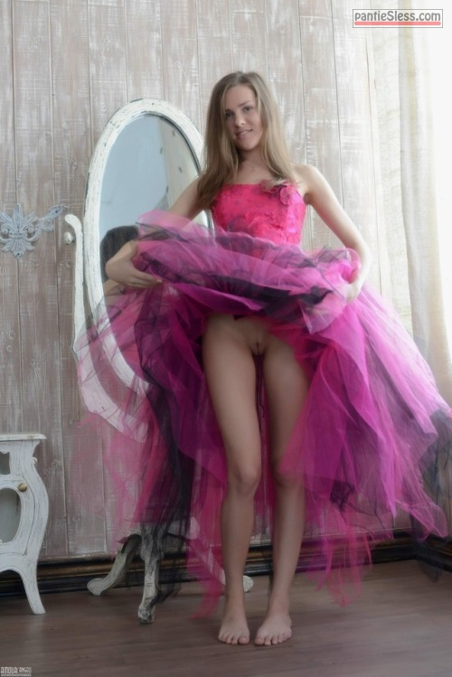 upskirt teen shaved pussy pussy flash college bottomless blonde  Teen goes pantie less on prom night