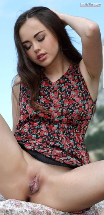 shaved pussy pussy flash dark haired bottomless babes asian  Cute teen shpwing off her big clit