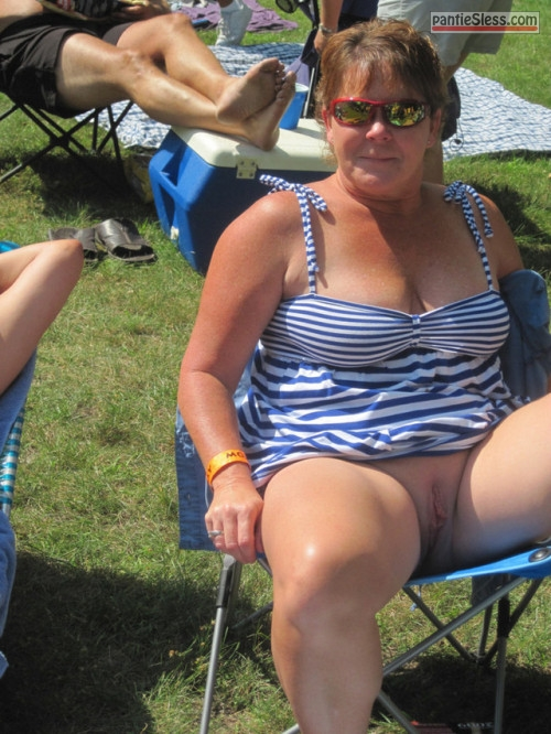 Fat Mature Slut Big Cunt Exposing At Camping Bottomless -2790